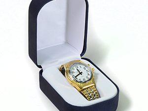 שעון יד לגבר דובר אנגלית עם רצועה קרטיה