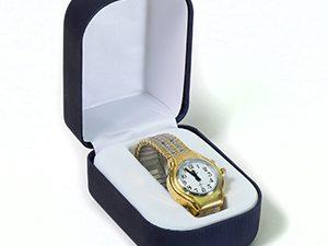 שעון יד לאשה דובר אנגלית עם רצועה קרטיה